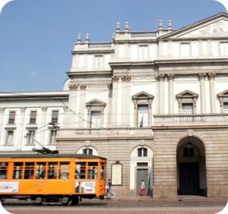 Tram in front of La Scala