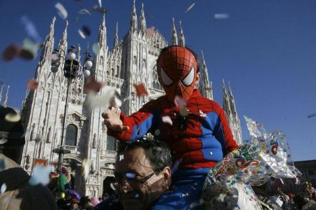 Locals celebrating Carnival at the Duomo